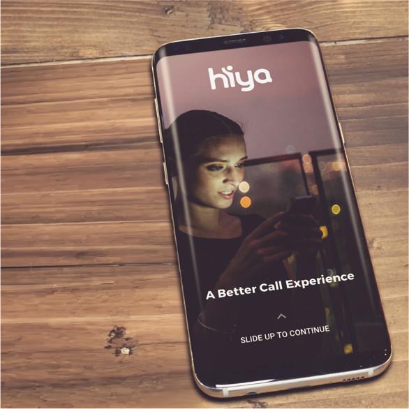 Dispositivo con l'app di Hiya installata, sulla tabella