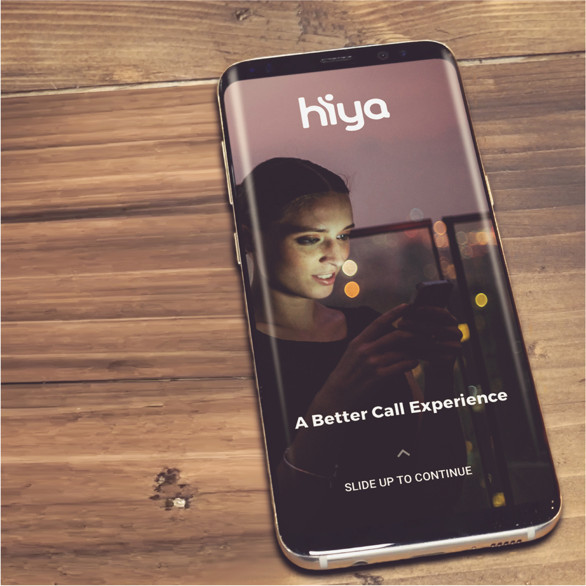 dispositivo com o aplicativo Hiya instalado, na mesa